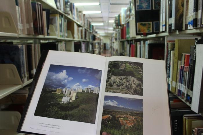 Libro Caracas1
