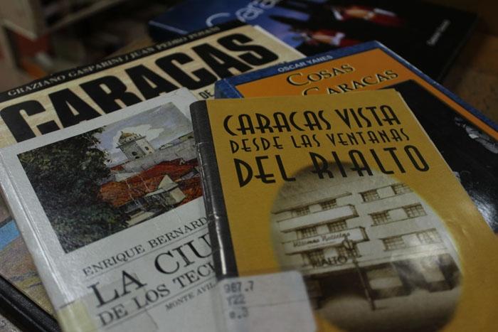 Libro Caracas2