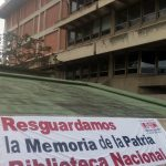"""Trabajadores culturales  realizan """"Pancartazo"""" por la Independencia Nacional"""