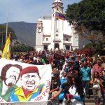 Marcha de los claveles recorrió Caracas, puño en alto en memoria de Alí